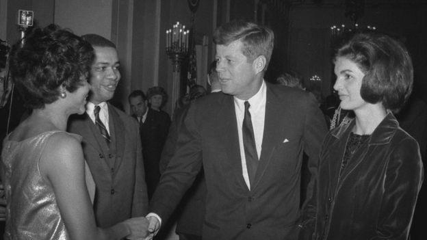 Retour aux sources : Jackie Kennedy pionnière des droits noirs américains