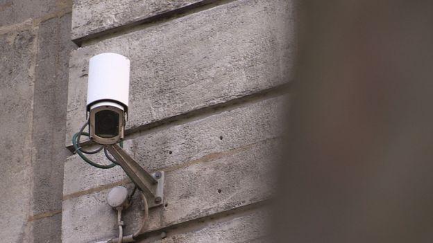 Travail, vie privée: sommes-nous sous surveillance ?