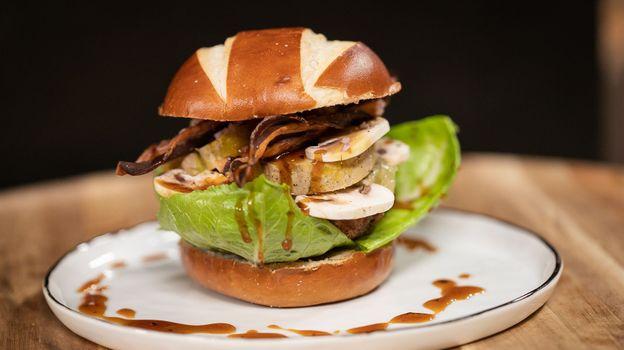 Hamburger de canard au foie gras.