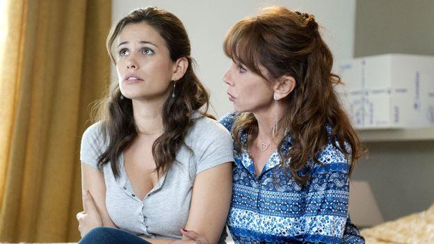 Lucie Lucas et Victoria Abril dans CLEM SAISON 8