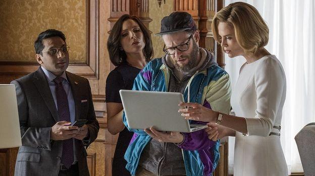 """Seth Rogen et Charlize Theron dans """"Séduis-moi si tu peux !"""""""