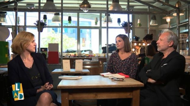Thierry Bellefroid en compagnie de notre invitée de la semaine, Geneviève Damas, et de la lectrice, Gaelle Debacker.