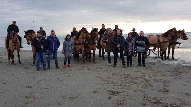 L'équipe des Ambassadeurs en tournage avec les chevaux Henson