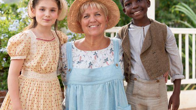 """Mimie Mathy voyage dans le temps dans un inédit de """"Joséphine ange gardien"""""""