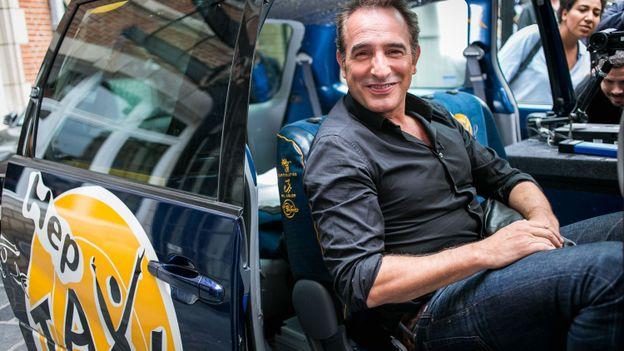 Jean dujardin dans hep taxi comment peut on revenir for Vrai nom de jean dujardin