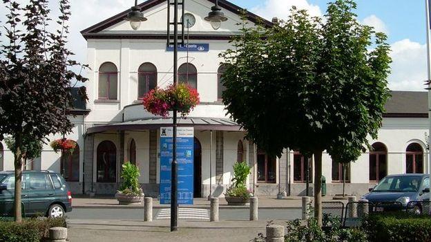 La gare de Braine Le Comte est située sur la ligne 96.