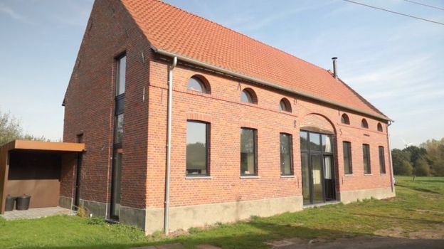 Ancienne Grange Rehabilitee En Habitation En Province De Hainaut