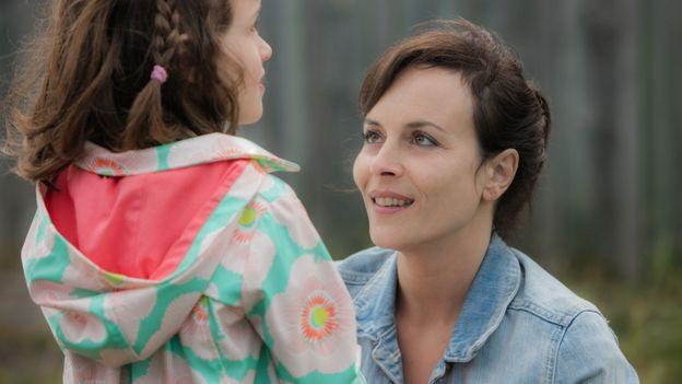 """Odile Vuillemin est de retour sur La Une dans """"Entre deux mères"""""""