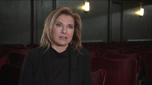 Natacha Amal sera au Théâtre de la Valette en pleine répétition de la pièce « M'man », mise en scène par son ancien copain de conservatoire, Pierre Pigeolet