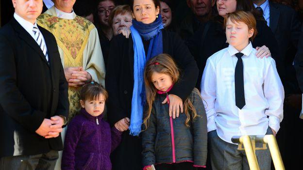 Mimi O'Donnell accompagnée de ses trois enfants