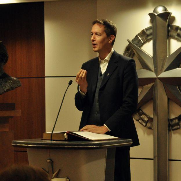Devoir d'enquête sur l'Eglise de Scientologie