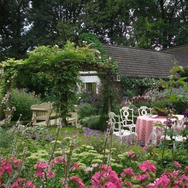 Le jardin romantique de Dina Deferme