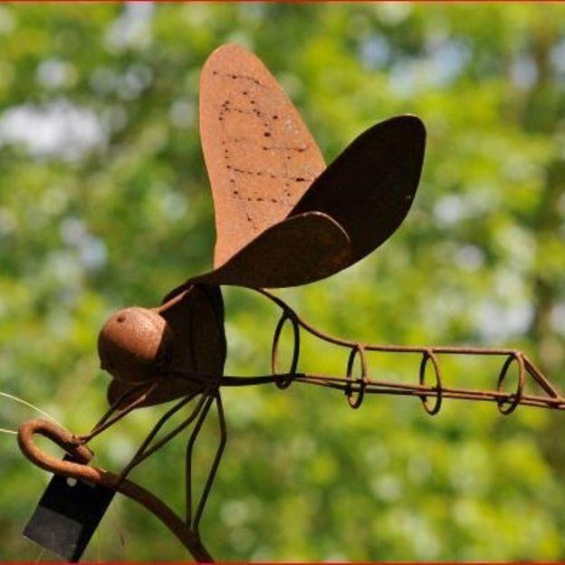 Les éléments en fer forgés, toujours décoratifs au jardin