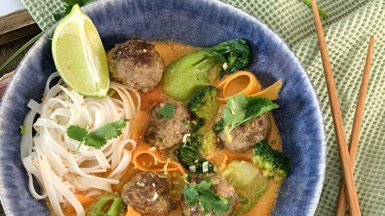 Boulettes de bœuf thaï et curry rouge