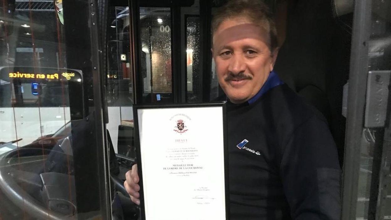 Un chauffeur de la STIB décoré de la médaille d'or de l'ordre de la couronne