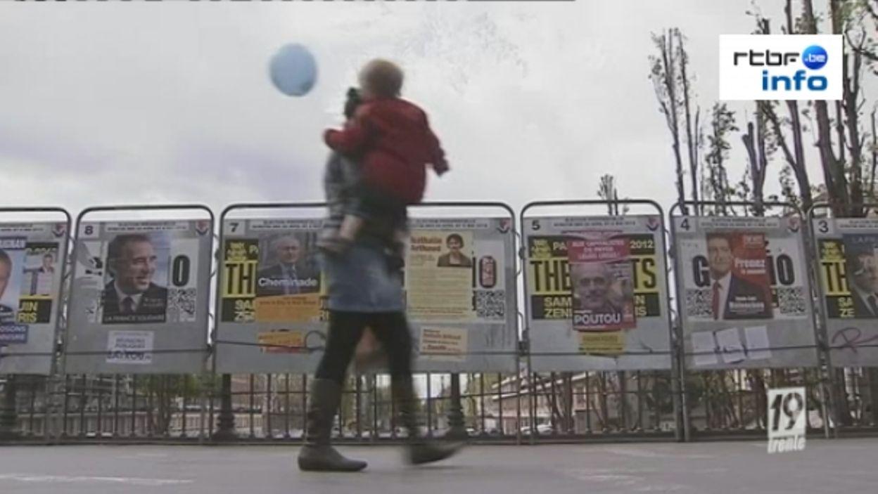 Les préparatifs des bureaux de vote à paris 21 04 2012