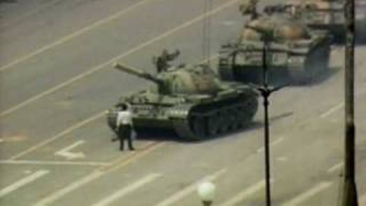 Tank Man (now with more raw footage) - 04/06/2019