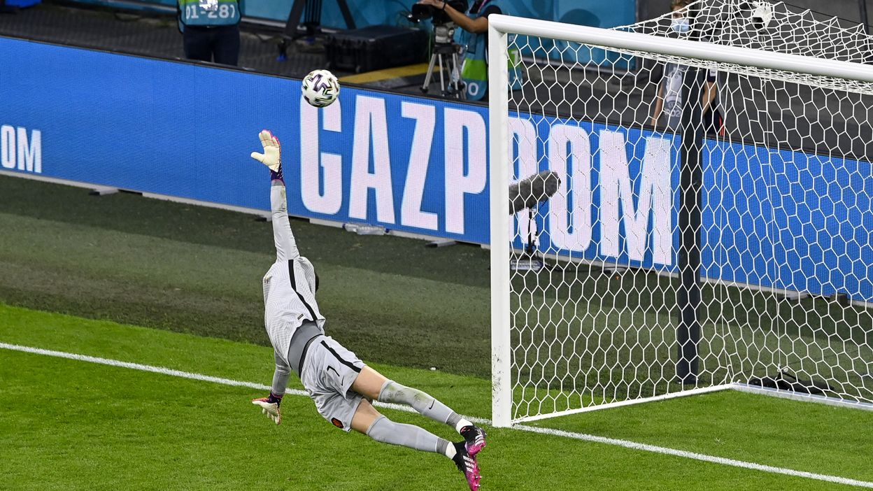 2-1 : But de Andriy Yarmolenko