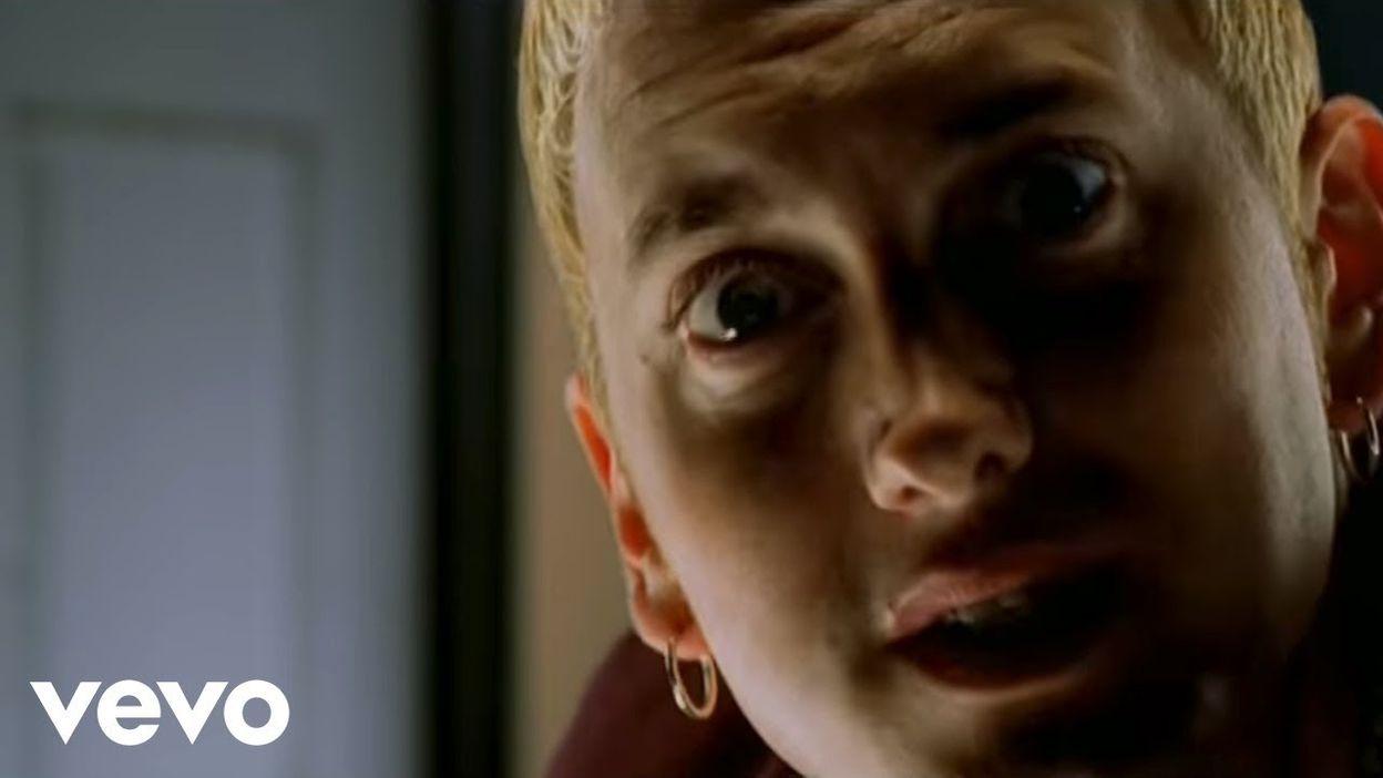 Eminem - Guilty Conscience ft. Dr. Dre (Official Music Video)
