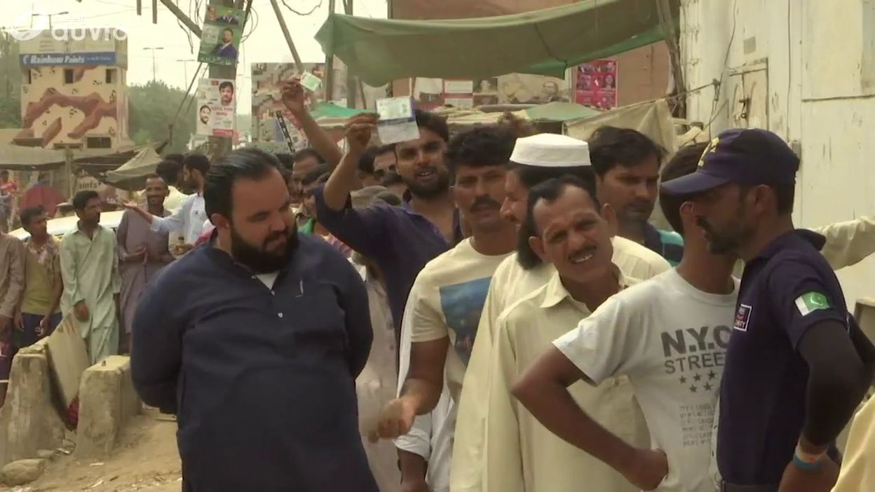 Pakistan ouverture des bureaux de vote pour les élections