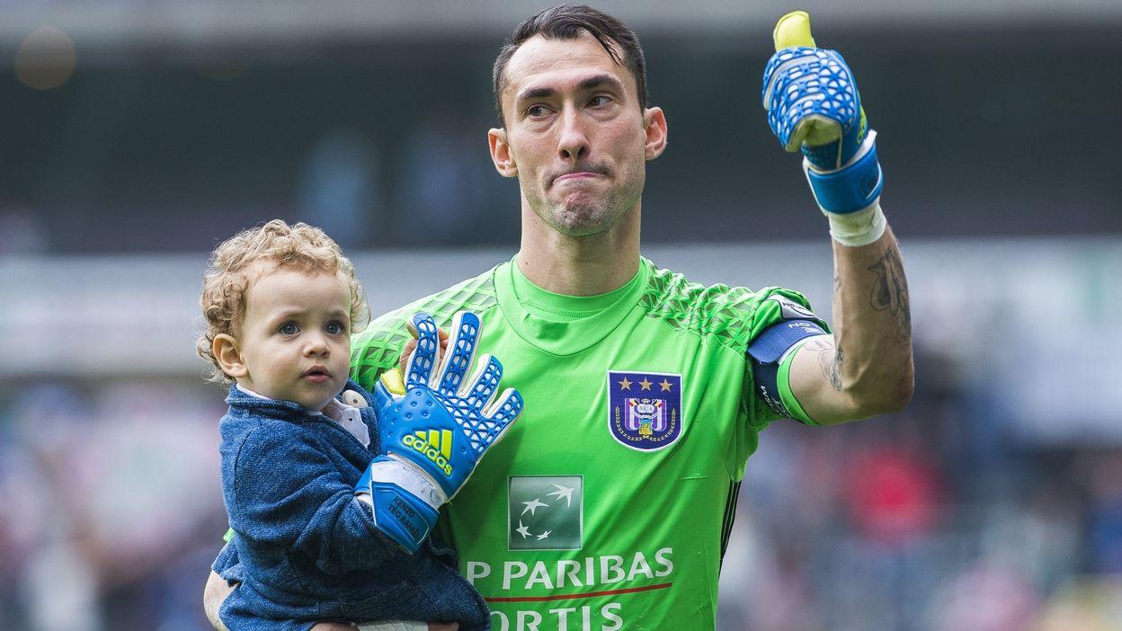 Football : Silvio Proto, 37 ans, range les gants
