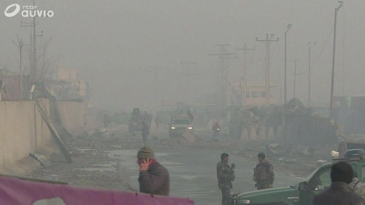 Kaboul : images des dégâts causés par l'attentat au camion piégé, lundi soir