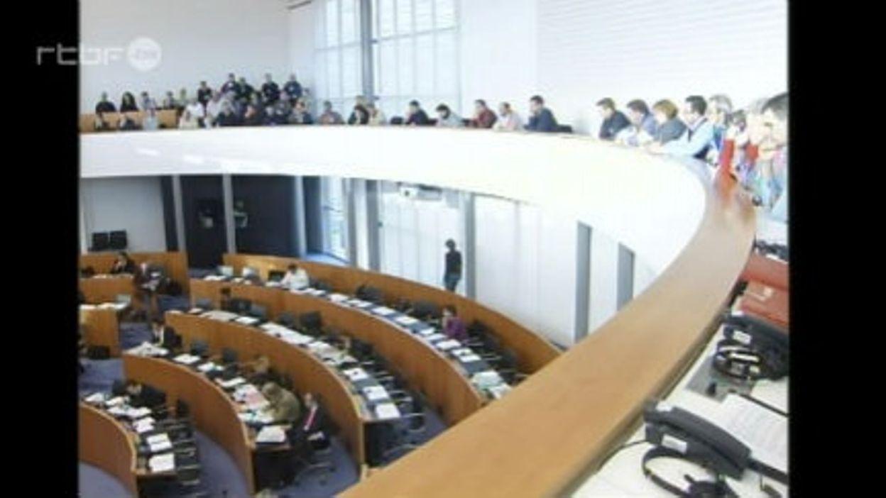 Sanctionner l'absentéisme des parlementaires - JT du 16 décembre 2005