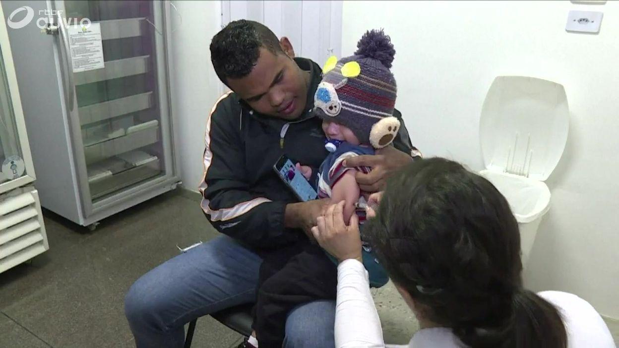 Brésil: début d'une campagne de vaccination contre la rougeole qui concerne 11 millions d'enfants