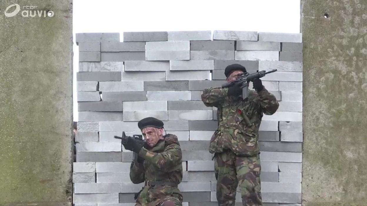 Faux mur entre l'Irlande du Nord et la République d'Irlande