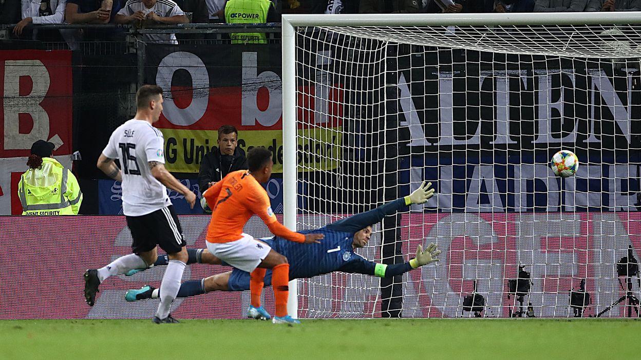 Les Pays-Bas punissent l'Allemagne 4-2 à Hambourg