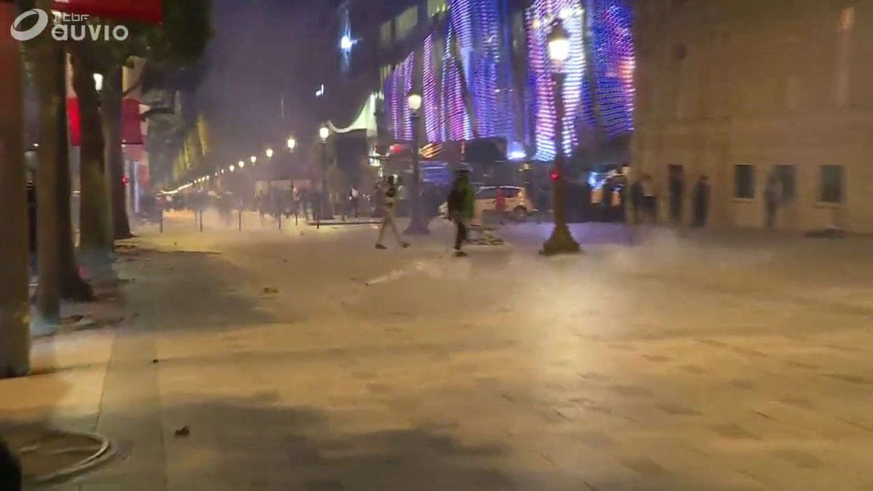 Victoire de l'Algérie : débordements à Paris