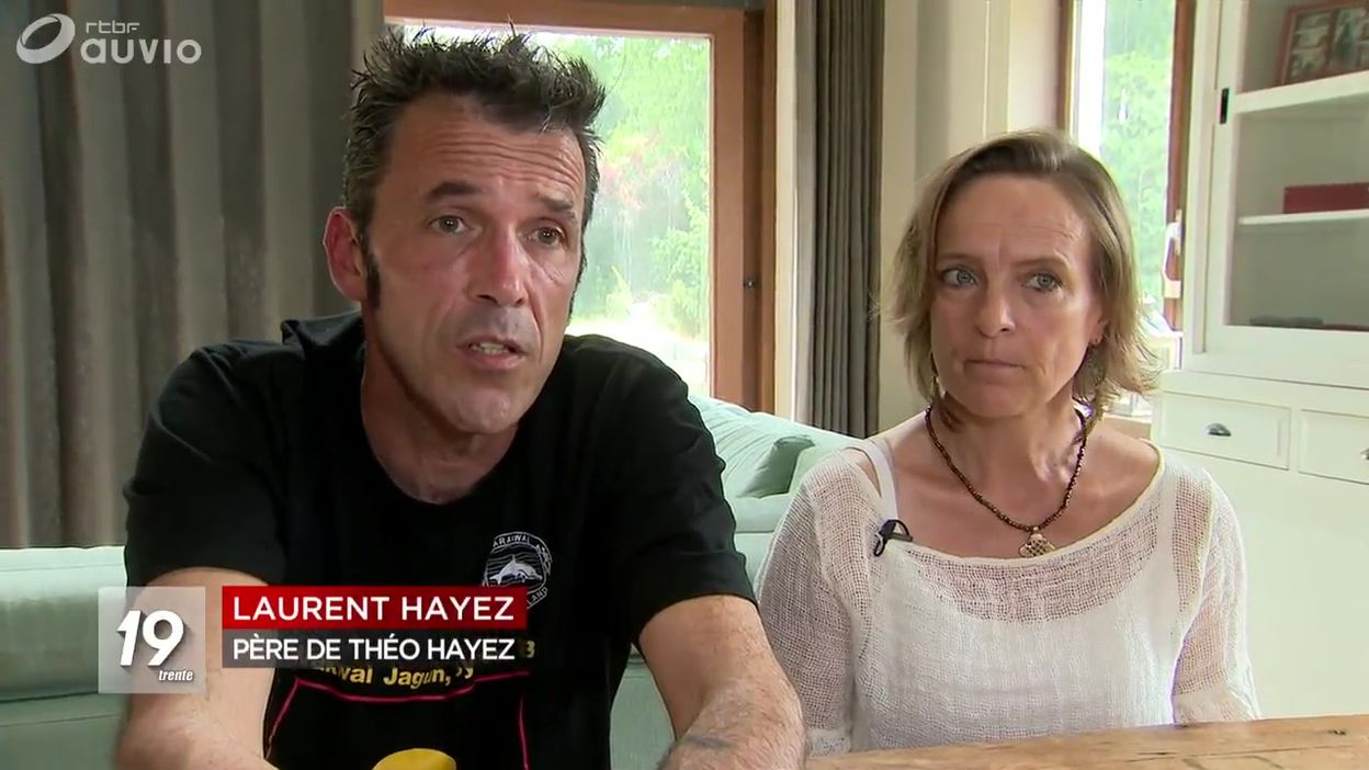 Théo Hayez : ses parents de retour en Belgique entre déception et espoir