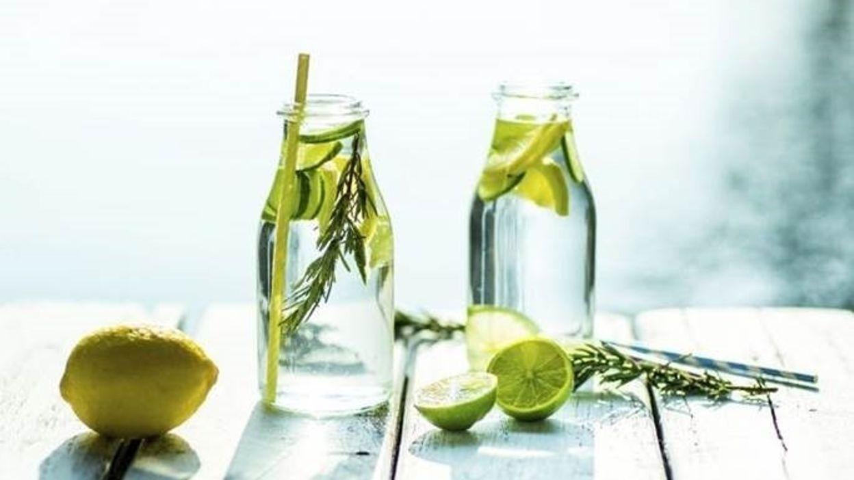 Recette de la limonade au concombre, thym et citron !