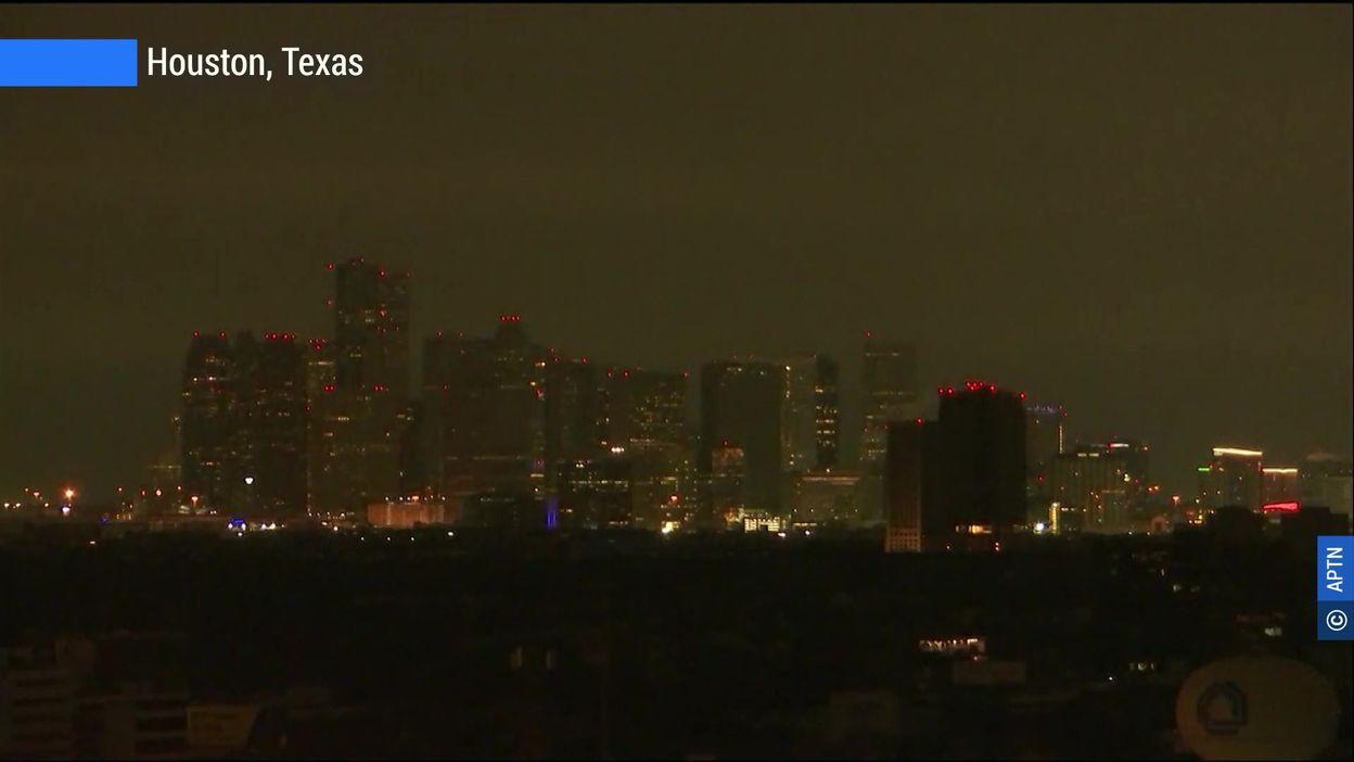 Vague de froid historique aux Etats-Unis : le Texas sous la neige, des millions d'Américains sans électricité