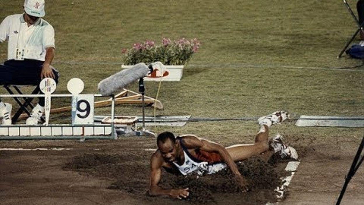 Saut en Longueur Hommes : Mike Powell → 8,95 m (30 août 1991)