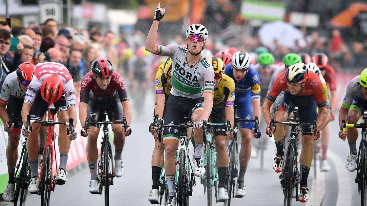 Sam Bennett remporte la première étape du Binckbank Tour, Theuns 2è