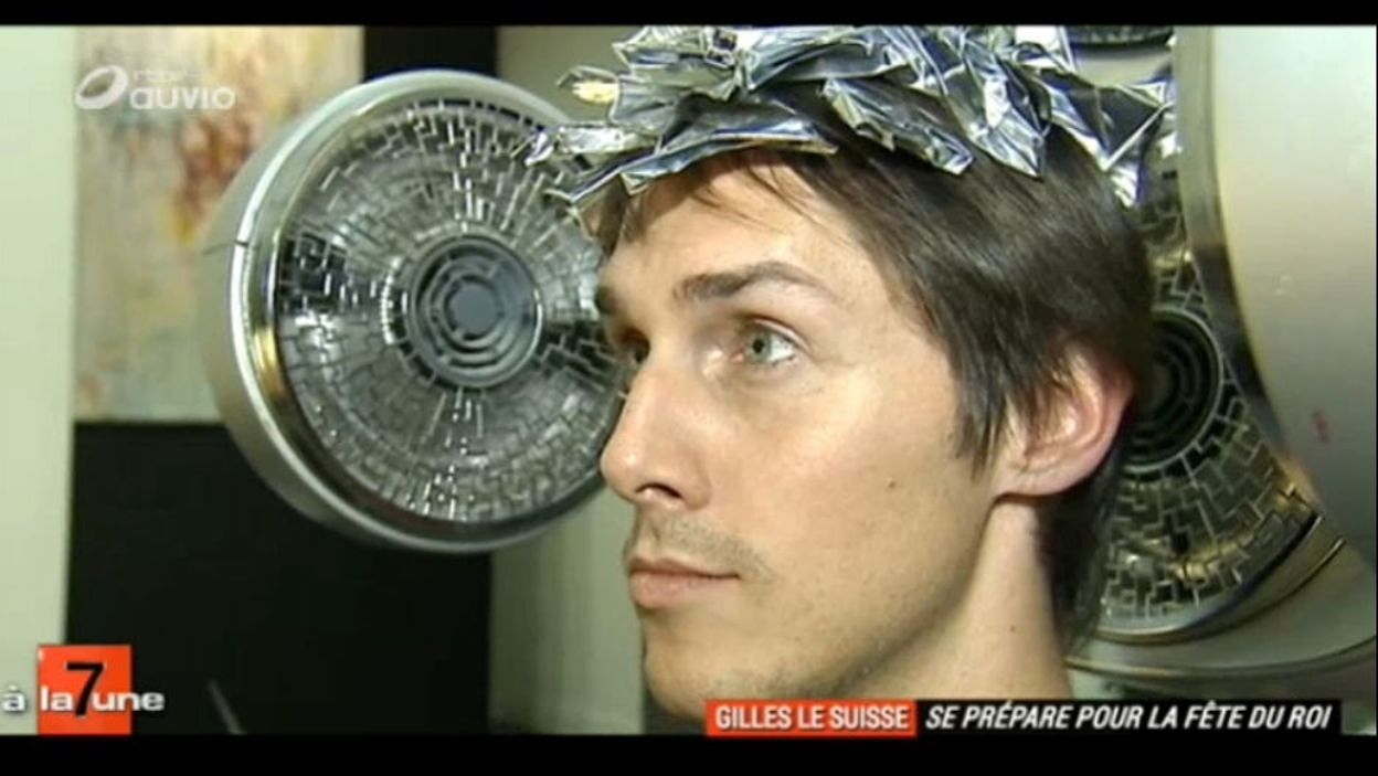 Gilles le Suisse se prépare à la Fête du Roi