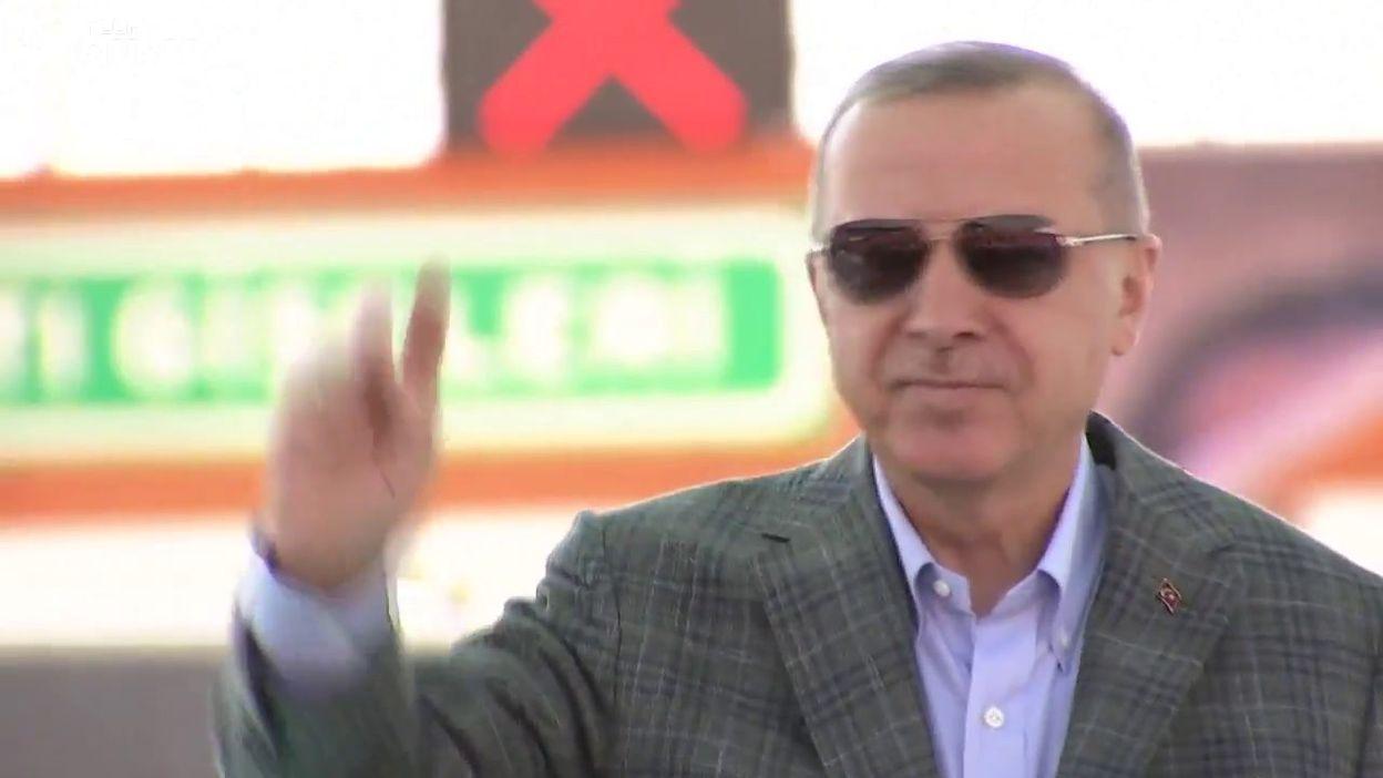 Recep Tayyip Erdogan annonce une opération antikurde à l'est de l'Euphrate (Ankara, 4 août)