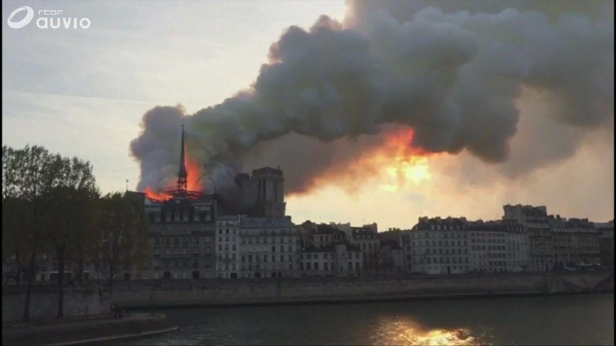 Notre-Dame de Paris : les débuts de l'incendie