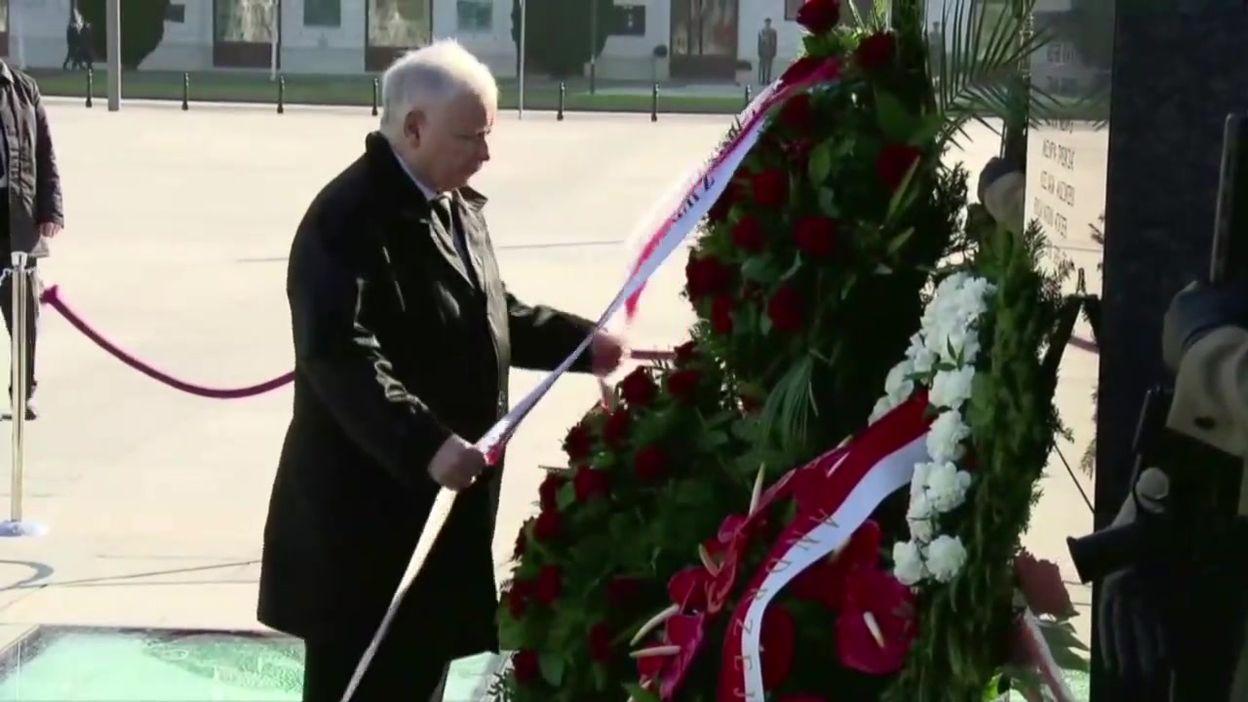 Cérémonie d'hommage aux victimes de la catastrophe de Smolensk, à Varsovie, ce 10 avril