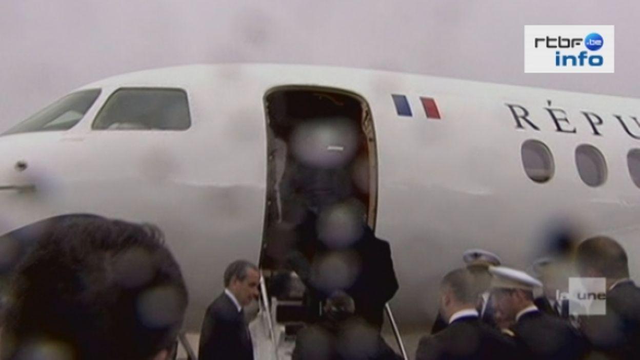 Départ F. Hollande en avion vers l'Allemagne