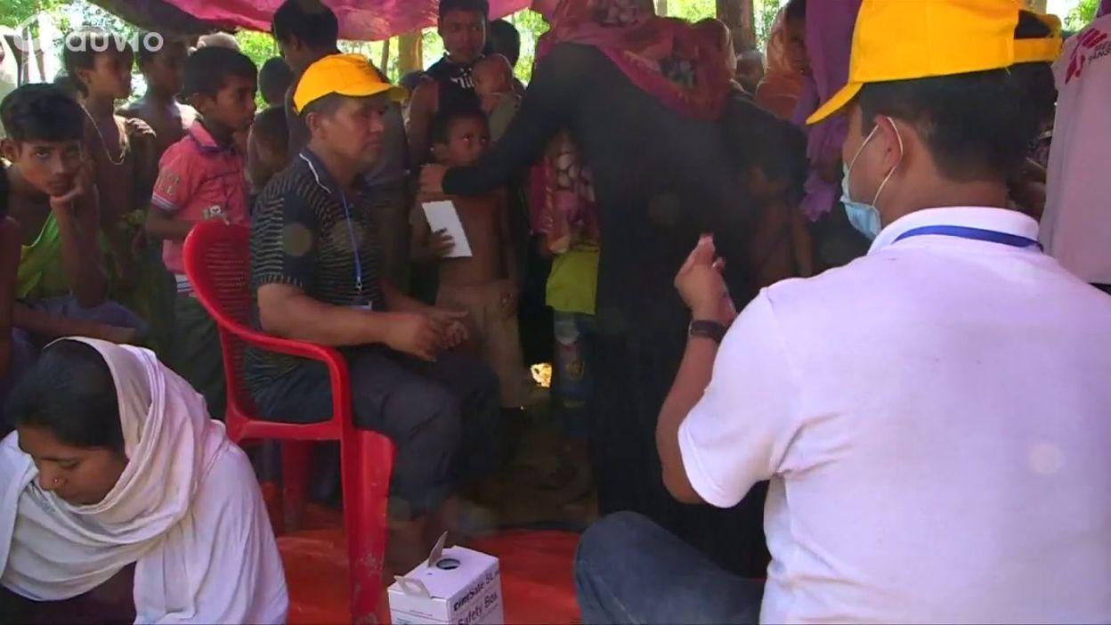 Bangladesh: des équipes médicales espèrent vacciner 100 000 enfants Rohingyas