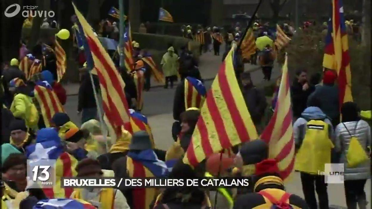 Arrivée massive des Catalans par l'E40 pour manifester