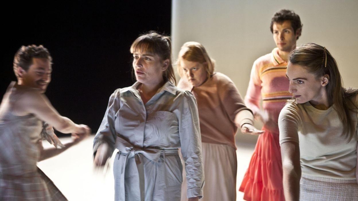 Le spectacle « Pink Boys and Old Ladies », l'histoire d'un petit garçon qui aimait porter des robes