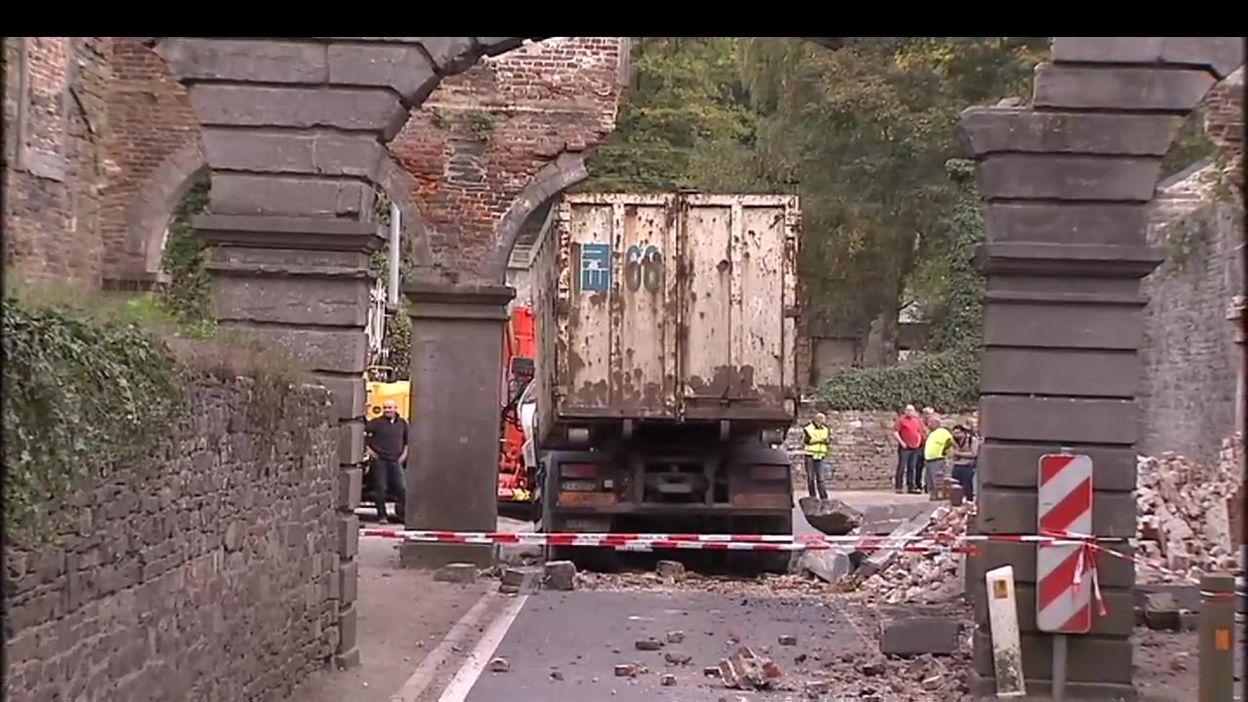Archive JT : les arcades de l'abbaye de Villers-la-Ville défigurées par un accident (reportage du 21 octobre 2013)