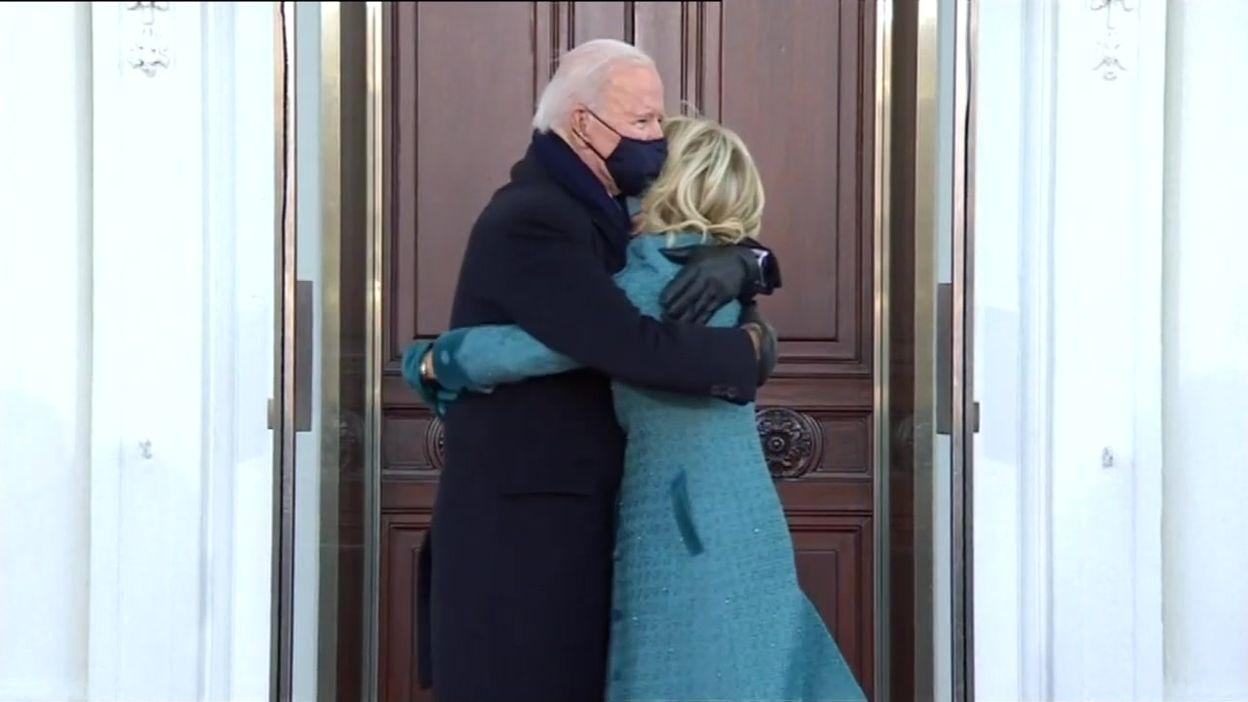 Investiture de Joe Biden : arrivée (en grande pompe) du nouveau couple présidentiel à la Maison-Blanche