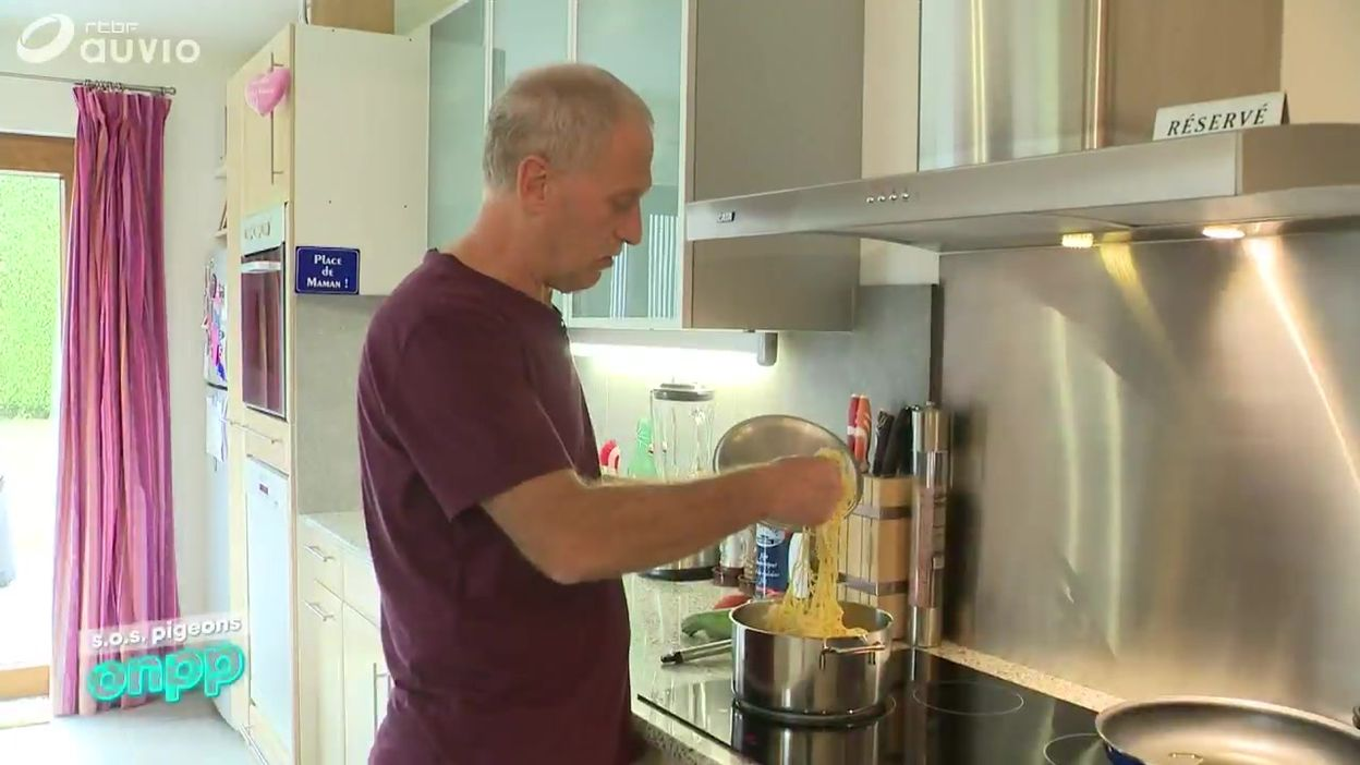 Un téléspectateur, Christian, nous a lancé un SOS Carlo: ses pâtes collent