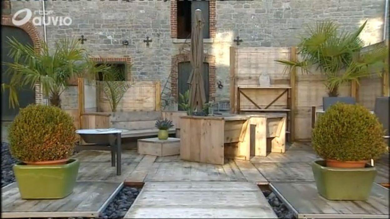 L'utilisation des panneaux de coffrage au jardin - Extrait de l'émission  Jardins et loisirs du