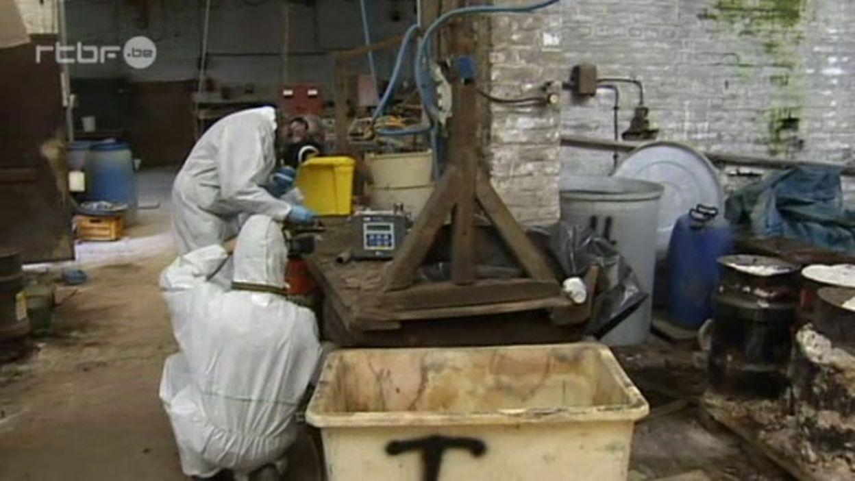 Herstal: évacuation des fûts toxiques
