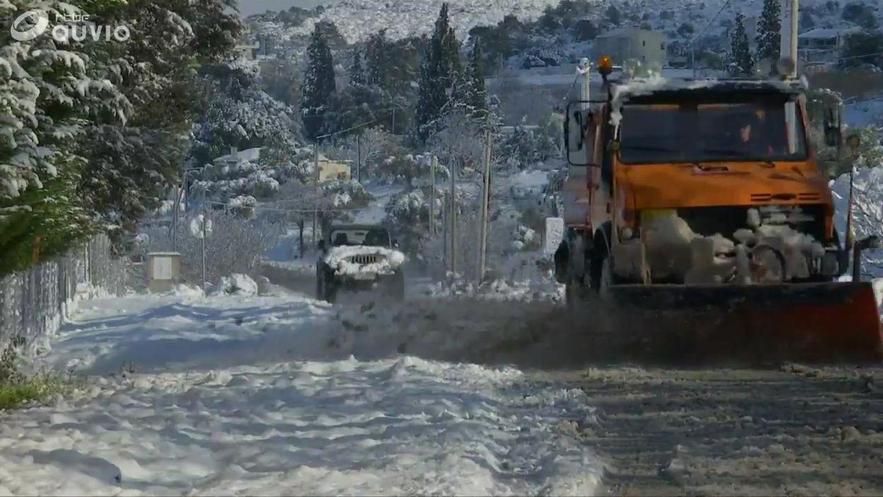La Grèce sous la neige: vues des environs d'Athènes sous un manteau blanc